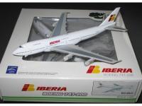 Boeing 747-200 Iberia (white livery) EC-DLC