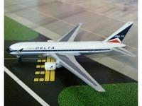 Boeing 767-232 Delta N102DA